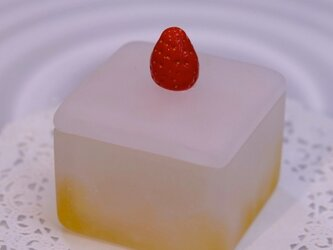 GLASS SWEETS / Biscuitauxfraisesの画像