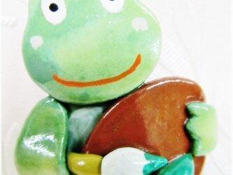 緑のペインター(粘土ブローチ)・IBー22の画像