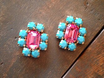 pink & turquoise blue earringsの画像