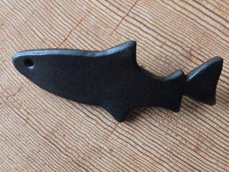 トラウトレザーブローチ(黒)の画像