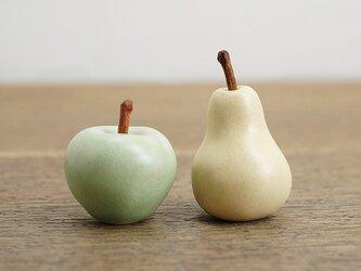 Pear & Pippin(メモ押さえ)の画像