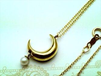 月の雫ネックレスの画像