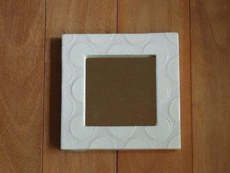 鏡 水玉模様のガラス絵の画像