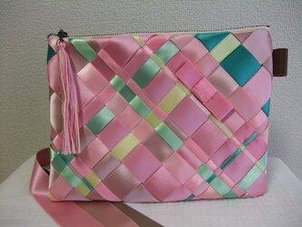 リボン編みのポーチ 春カラー サイズLの画像