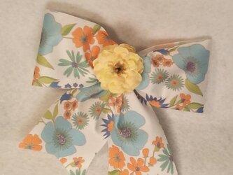 花柄リボンピンの画像