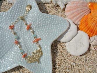 珊瑚プレート×カルセドニー×淡水パール×天然珊瑚のブレスレットの画像