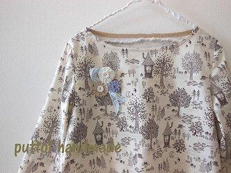 soldout☆ブローチ付き♪森のプリント柄プルオーバーの画像
