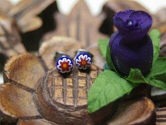 ブルー×レッドミルフィオリのガラスピアス小の画像