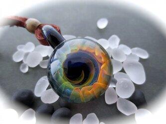 スパイラル ガラスペンダントトップの画像