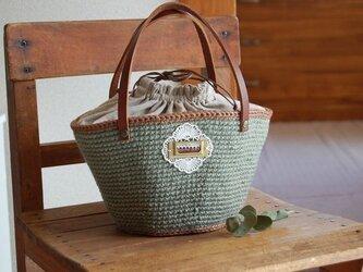 ブルーグレーの麻ひもバッグの画像