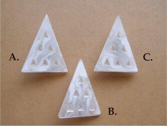 三角ツリー ブローチの画像