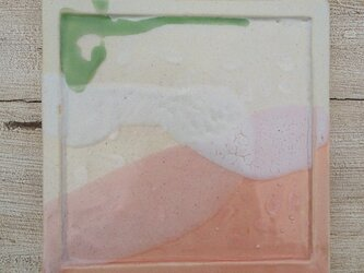 ピンクときみどりのスクエア皿の画像