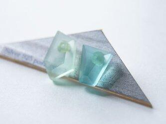 △▶▽ウミノカクカク SEA GLASS ピアス - q -の画像