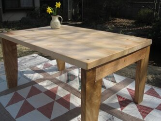 国産広葉樹無垢材のお絵かき机・・お子さまには質の良い素材をの画像