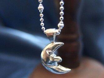 月の紳士のネックレスの画像