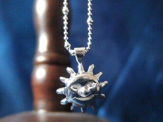 太陽の紳士のネックレスの画像