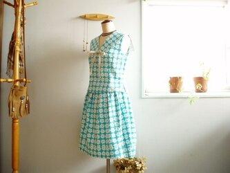 sold レトロが可愛い北欧フラワー袖なしブラウス&スカート水色の画像