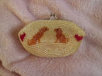 ビーズ編みがま口財布 犬柄の画像