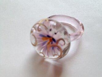 唐草とお花のリングの画像