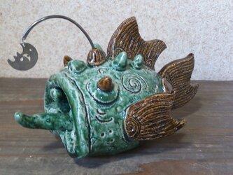 緑色深海魚の画像