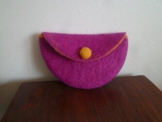 羊毛フェルトのポーチ(パープル×やまぶき色)の画像