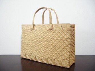 あじろ編みのハンドバッグ/ベージュの画像