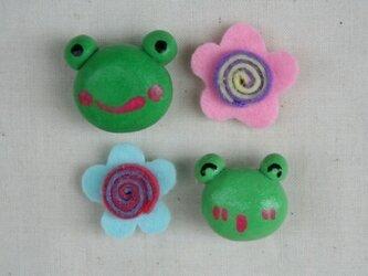 けろとぐるぐる花(ピンク×ブルー)マグネットの画像
