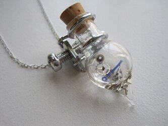 ~type silver~ねじまき式雫型フラスコネックレス の画像