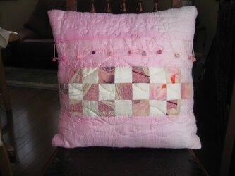 桜色のディスプレイクッションの画像