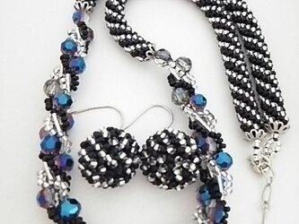 ●sold out●ブラッククリスタル ネックレス&ピアスの画像
