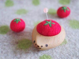 ハリネズミの羊毛ピンクッション【針山】真っ赤なトマトの画像