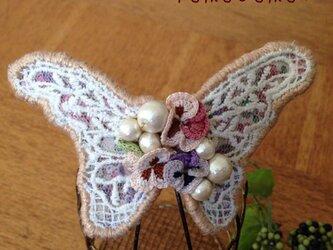 蝶々のバレッタ(ベージュ系)の画像