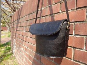革のショルダーバッグ / ブラックの画像