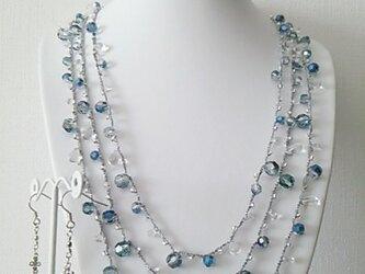 ●sold out●ブルーオーロラ 3連ネックレス&ピアスの画像