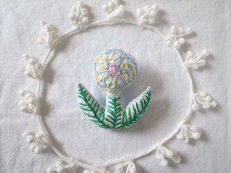 くるくるお花のブローチ2の画像
