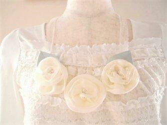 バラのレースリボンネックレスの画像