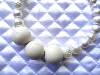 凸凹パールネックレスの画像