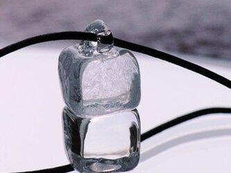 ガラスのペンダントの画像
