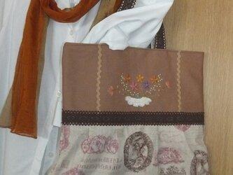 お花刺繍アンティークバッグの画像
