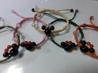 アニマル風編み編みブレスレットの画像