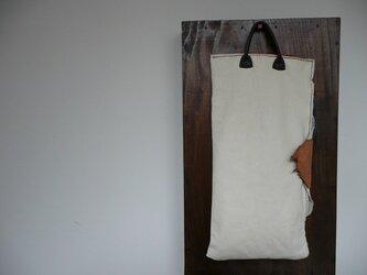 革バッグ 縦長サイズの画像