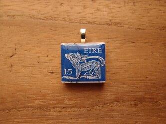 アイルランドの切手を使ったスクラブルタイルペンダントの画像