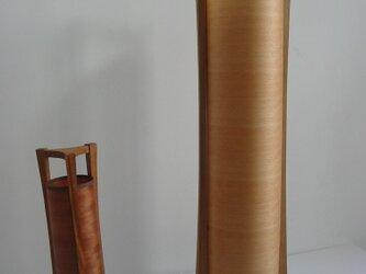 木製フロアーランプの画像