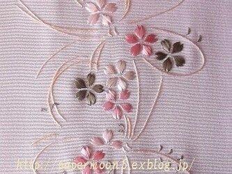 半襟「桜と蝶」の画像