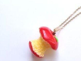 蜜りんごネックレス 食べすぎVer.の画像
