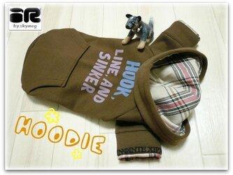 ★彡新品★彡大きめ小型犬用パーカー(袖付き)の画像