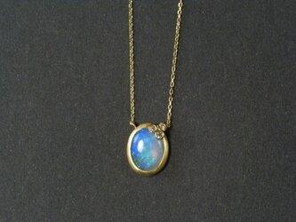 オパールとプチダイヤのネックレスの画像