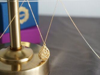 【14KGF】Long Necklace,Matt Gold Floral Teardrop Filigreeの画像