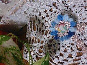 送料無料*お花のブローチ*ブルーの画像