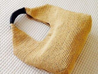 麦わら素材のナチュラルバック(ヌガー色)の画像